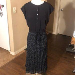 NWT LOFT Pleated Henley Dress - Sz 16
